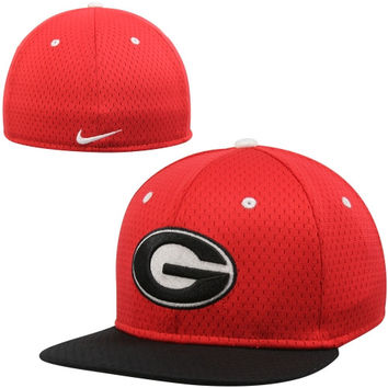 Nike Georgia Bulldogs True Colors Mesh Authentic Performance Fitted Hat - Red/Black