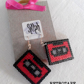 Earrings made of Hama Mini Beads - Retrotape (red)