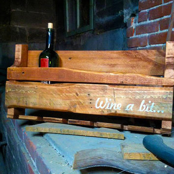 Customizable Pallet Wine Rack