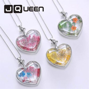 New Fashion Jewelry Accessories Dried Flower Necklace for Women Lovely Heart Shape Crystal Glass Pendant Necklace