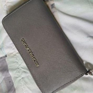 ONETOW Michael kors grey wallet