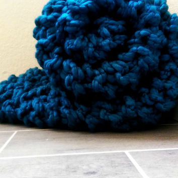 Soft Arm Knit Blanket, Chunky knit throw, arm knitted wool, wool knit blanket, hand knitted throw, soft wool blanket, handmade blue blanket