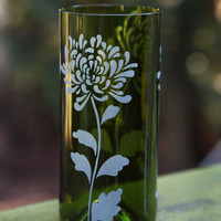 Chrysanthemum drinking glass upcycled from wine bottle