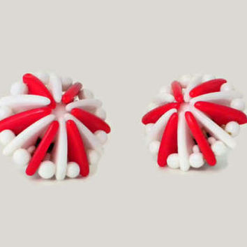 Red and White Atomic Style Clip Earrings - 1950s Earrings, Red White Earrings, Red White Jewelry, Domed Earrings, Vintage Clip Earrings