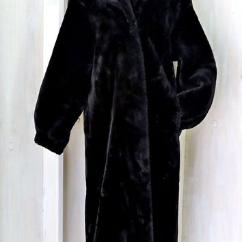 Beautiful Plush Black Faux Fur Coat / size M 8 / 10 / full length warm winter coat /  vintage 80s long fake fur coat / Monterey Fashions USA