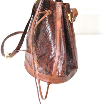 genuine SNAKESKIN bucket bag / vintage 1980s brown REPTILE leather slouchy MID sized drawstring purse