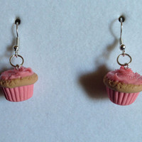 Strawberry Cupcake Earrings - Vanilla