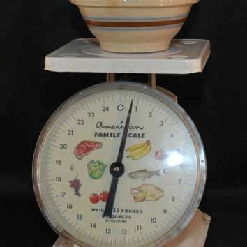 Vintage American Family Kitchen Scale, Chippy White Paint, (c. pre-1986), Country Kitchen, Working Scale, Decorative, Functional