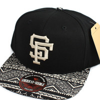 San Francisco Giants Logo Tribal Bill Strapback Hat (Black/Tribal)