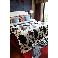 DaDa Bedding Luxury Cow Hide Skin Farm Animal Sherpa Fleece Soft Warm Throw Twin Blanket