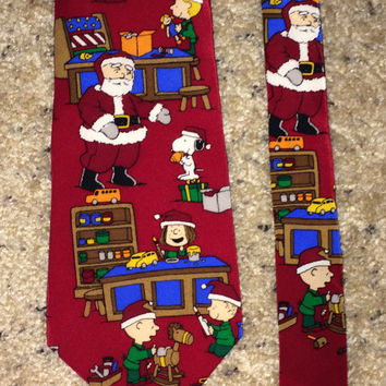 Sale!! Vintage PEANUTS SNOOPY Christmas Silk Tie Mens necktie Made in USA
