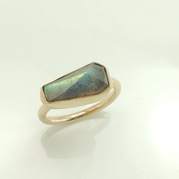 Labradorite Ring Solid 14k Gold Geometric by PointNoPointStudio