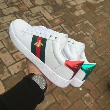 Gucci Unisex Casual Fashion Multicolor Stripe Embroidery Little Bee Small White Shoes Couple Plate Shoes Sneakers