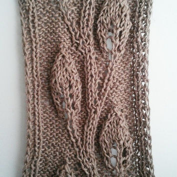 Hand Knitted Jute Wall Hanging Leaf Pattern on Driftwood READY TO SHIP