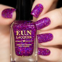 FUN Lacquer Holo Queen (Simplynailogical Collection)