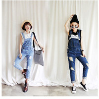 Temperament lady] the influx of women denim overalls hole