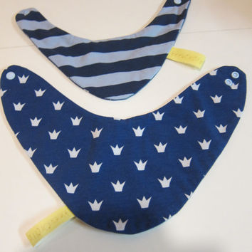 Reversible crowns  bib for babies and children, Bees on the Bonnet design,