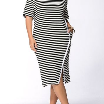 Streetstyle  Casual Striped Pocket Round Neck Slit Midi Plus Size Shift Dress