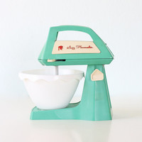 Vintage Suzy Homemaker Toy Mixer