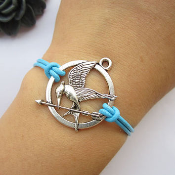 Mockingjay inspired Bracelet---antique silver The hunger game style pendant & alloy chain