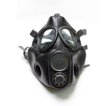 Vintage Commander Luxury Black Gas Mask Soviet Unused USSR Collectible Steampunk Goth mask with accessories, canvas bag, Halloween ohtteam