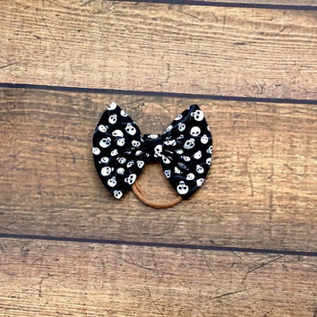 halloween baby headband, halloween hair bows, skull bow, nylon baby headbands, halloween baby shower gift, halloween baby clothes, baby bows