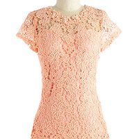 Mid-length Graceful Air Top in Pink