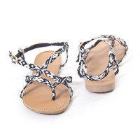 Desert Walk Sandals In Black & White