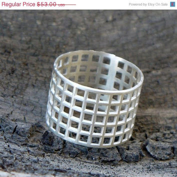 ON SALE Sterling silver ring - Silver wide band - Mesh ring - Geometric ring - Geometric jewelry