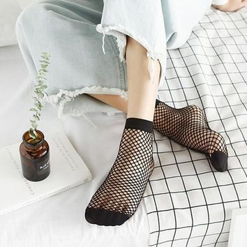 2017 1 Pair Fishnet Socks Women Breathable Ruffle Mesh Socks Punk Sexy Lace Ankle Ladies Sock H2