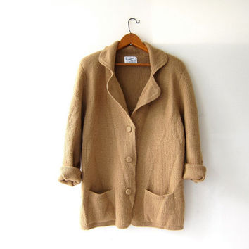 Vintage Alpaca sweater. Peruvian cardigan sweater. Light brown sweater coat w pockets. Modern wool sweater.