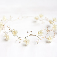 Ivory wedding crown, Pearl hair accessories, Ivory floral crown, Gold crown, Bridal crown, Flower crown, Crown flowers, Tiara wedding.