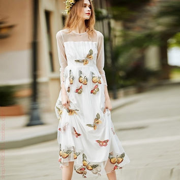 Vintage Elegant Butterfly Mesh Embroidery Maxi Women Dress 2017 Spring O-neck Long Sleeve Pleated Holiday Bohemian Beach Dress
