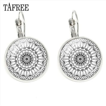 TAFREE Elegant Women Mandala Clip Earrings Black White Lotus Buddhist Zen Meditation Earring Yoga Souvenir Fashion Jewelry HN338