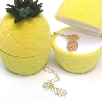 pineapple pendant, tropical fruit pendant, pineapple, pineapple charm, fruit jewelry, tropical necklace, pineapple jewelry, tiny pineapple