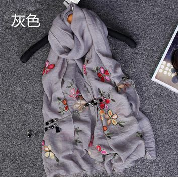 2017 Newest Women Embroidery Flower Scarf Elegant Embroidery Scarves Fringe Scarf Shawls Wraps Hijab 10 Color Free Shipping