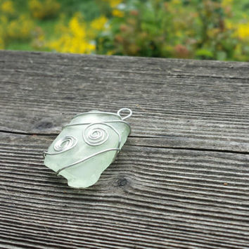 Green sea glass pendant necklace jewelry boho chic ocean faux tumbled glass