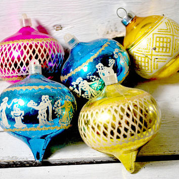 Five Vintage Christmas Tree Ornaments , Greek Characters , Pink , Gold , Blue , 1960s