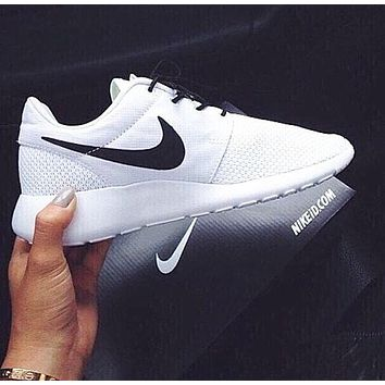 【Trulym】NIKE Women Men roshe run Running Sport Casual Shoes Sneakers White