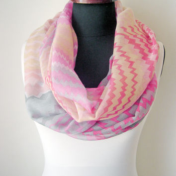 Pink Geometric Scarf for Women Accessories for Summer Infinity Scarfs Cotton Zigzag Scarf for Spring Accessory Women Gift Idea for Teen Girl