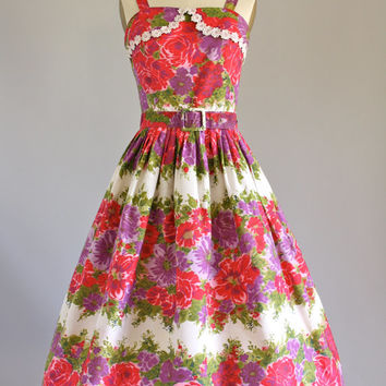 Vintage 50s Dress/ 1950s Bombshell Dress/ Pink Floral Full Circle Skirt Dress w/ Waistbelt S/M