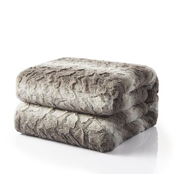 Tache Silver Snow Giraffe Faux Fur Throw Blanket (DY16)