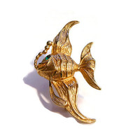 Krementz fish brooch, angel fish, gold overlay, green rhinestone eye