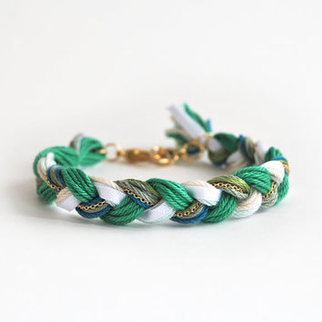 Emerald green bracelet, braid bracelet with chain, friendship bracelet, green boho bracelet