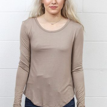 Long Sleeve Soft Rounded Hem Basic {Mocha}