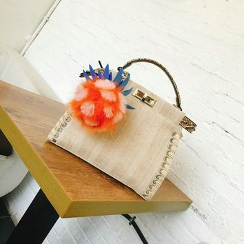 2017 Women's Cute Pineapple Pompom Handbag Knitted Handmade Linen Serpentine Tote Bag Embroidery Strap Shoulder Bags Bolsas