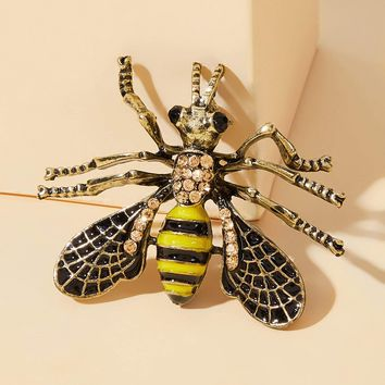 Rhinestone Decor Bee Design Brooch 1pc