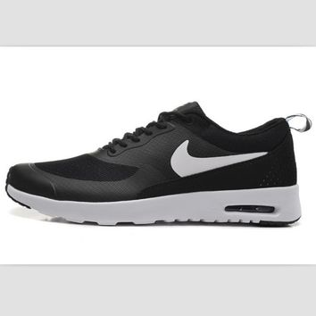NIKE trend of fashion leisure sports shoes Black and white