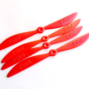 Vintage TWA Propeller Cocktail Stir Swizzle Stick Set of 4 Red Airplane Prop Airline Memorabilia Barware 1960s Pilot Collectible Bar Decor