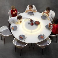 Round dining table LUNA by Joli